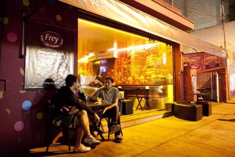 O bar e café Frey, na rua Frei Caneca, em SP
