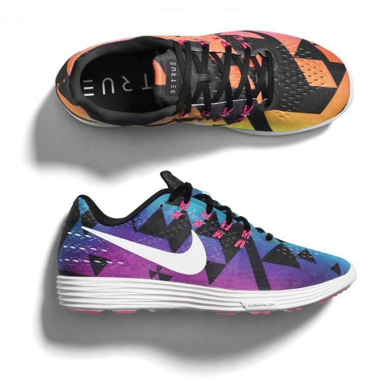Modelos de tênis da linha Be True, da Nike, com desenhos de triângulos . Crédito: Divulgação